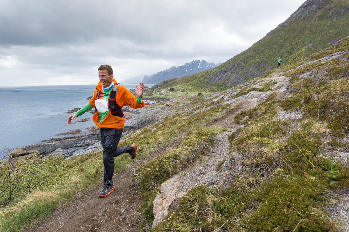 Hallvard Schjølberg, winner of the 100 miles race of the Lofoten Ultra Trail 2016 has just passed the small hamlet of Nesland.